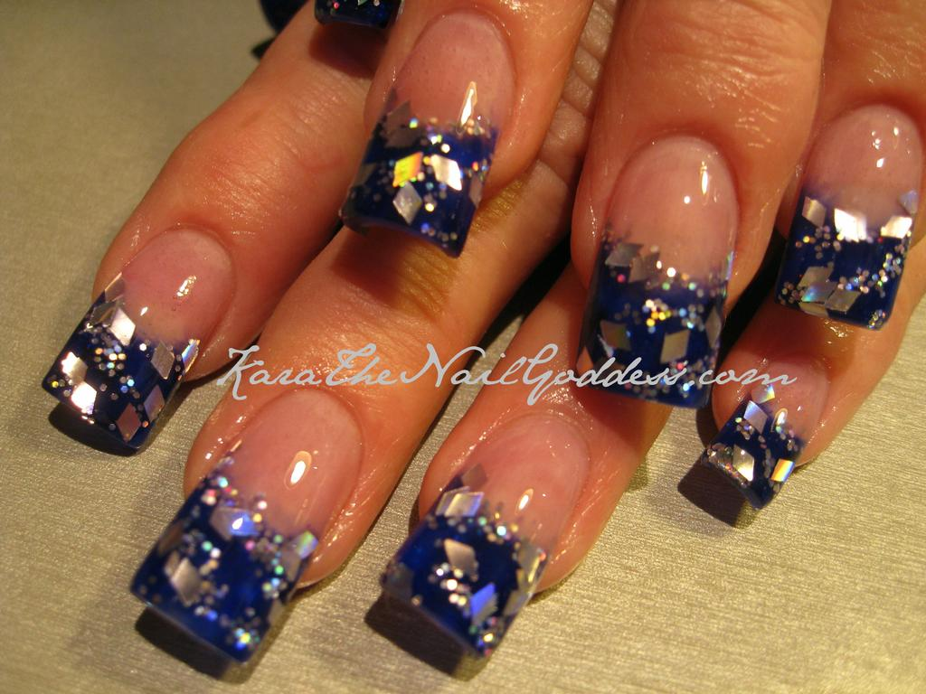 acrylic nails design with one finger in diamonds photo - 1