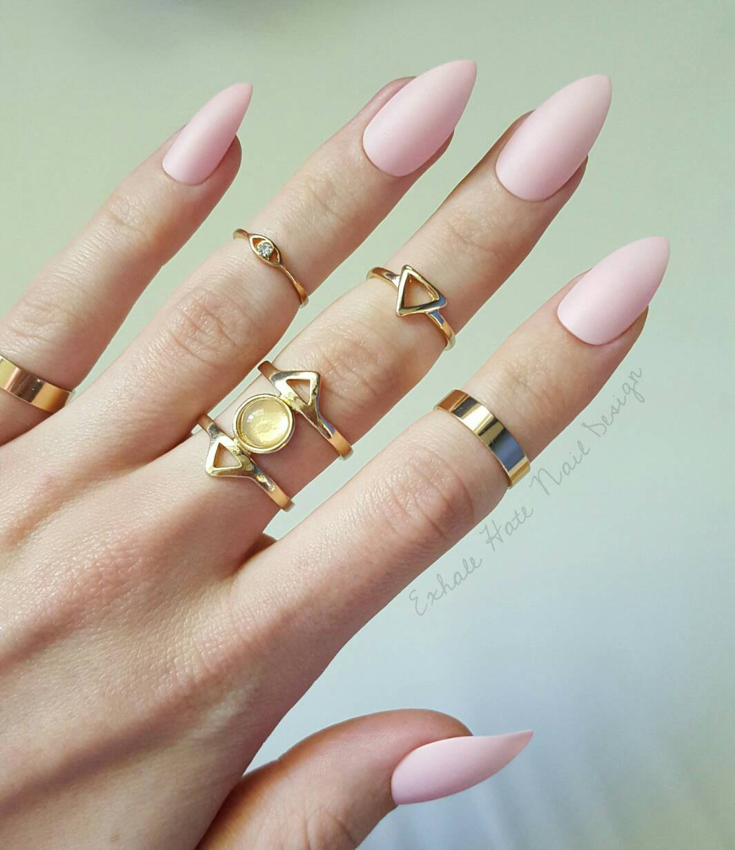acrylic nails for pale skin photo - 2