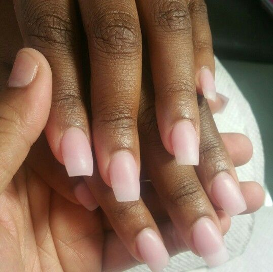 acrylic nails on brown skin photo - 1