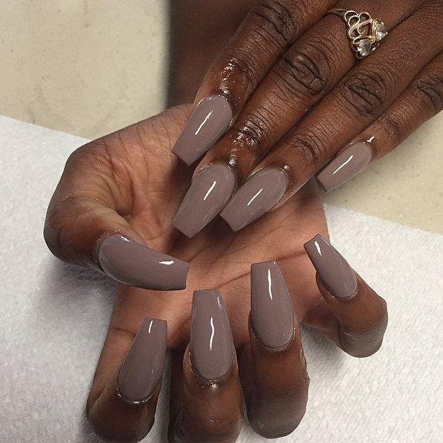 acrylic nails on dark skin photo - 1