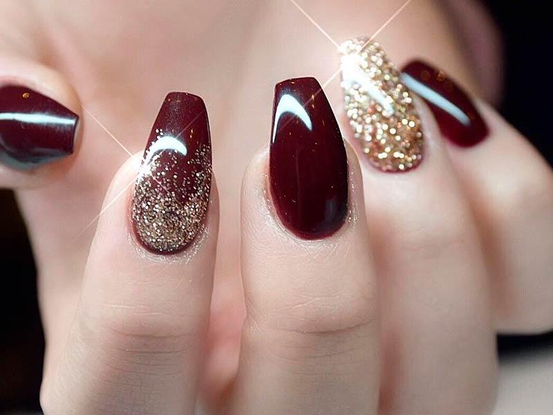 acrylic nails to match a burgundy dress photo - 2