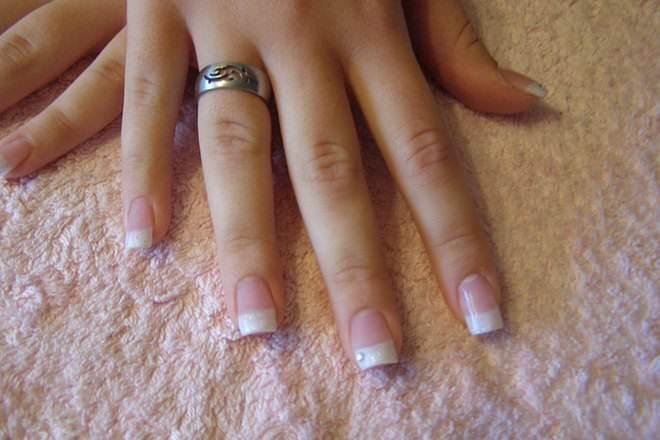 acrylic nails versus gel photo - 2