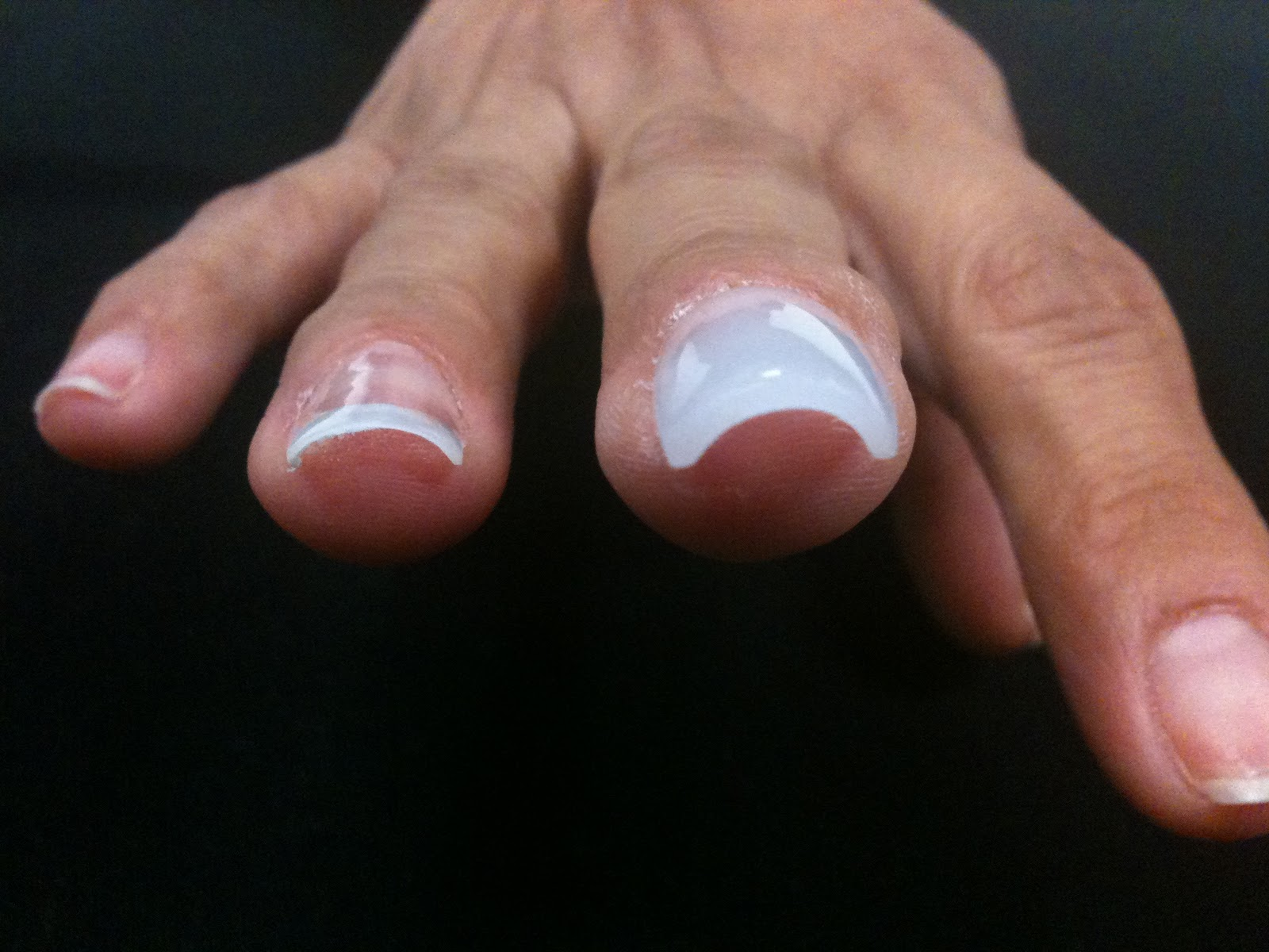 acrylic nails vs photo - 2
