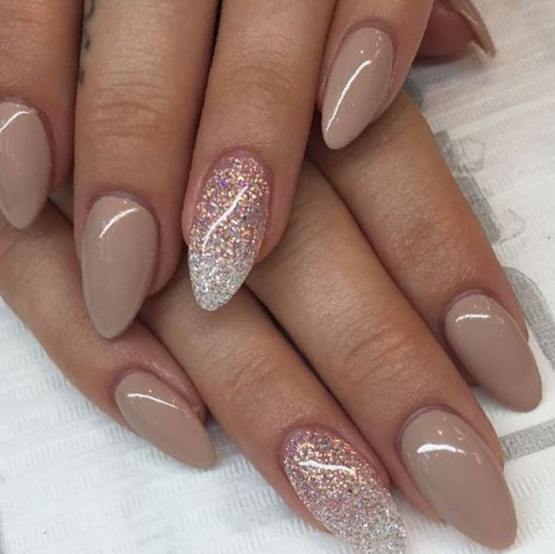 Acrylic Nails Christmas.Almond Acrylic Nails For Christmas New Expression Nails