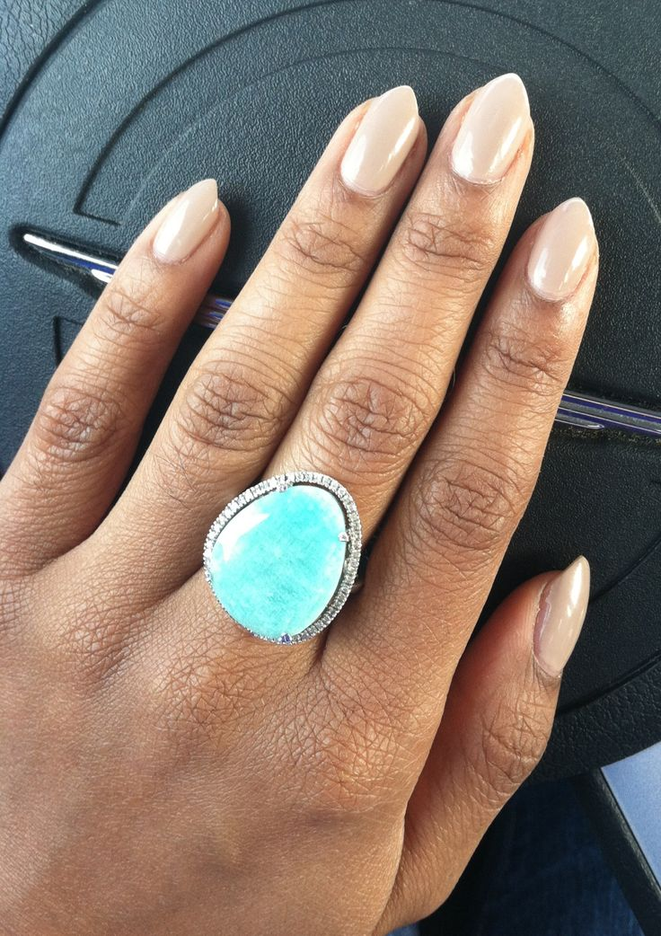 almond and stiletto nails photo - 1