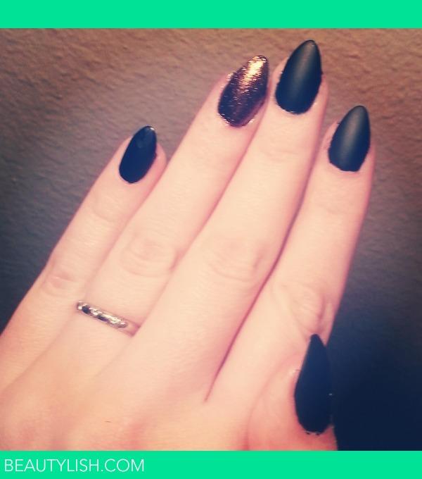 black almond acrylic nails photo - 1