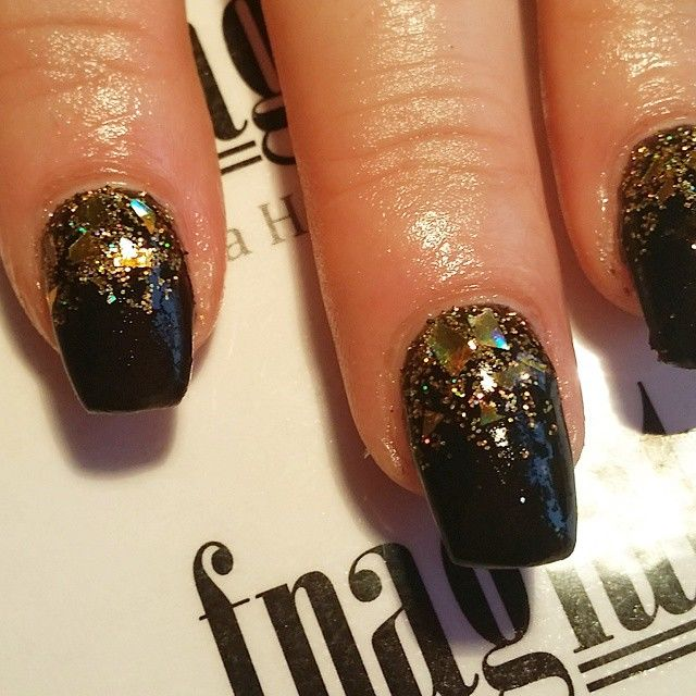 Black and gold gel nails - Expression Nails