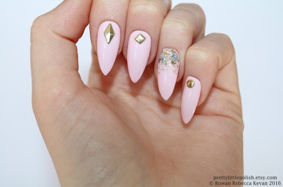 black and pastel pink stiletto nails photo - 1
