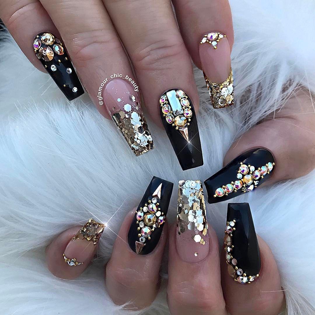 black and silver matte ombre stiletto nails photo - 2