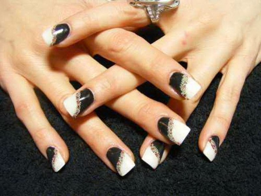 black and white acrylic nails photo - 1