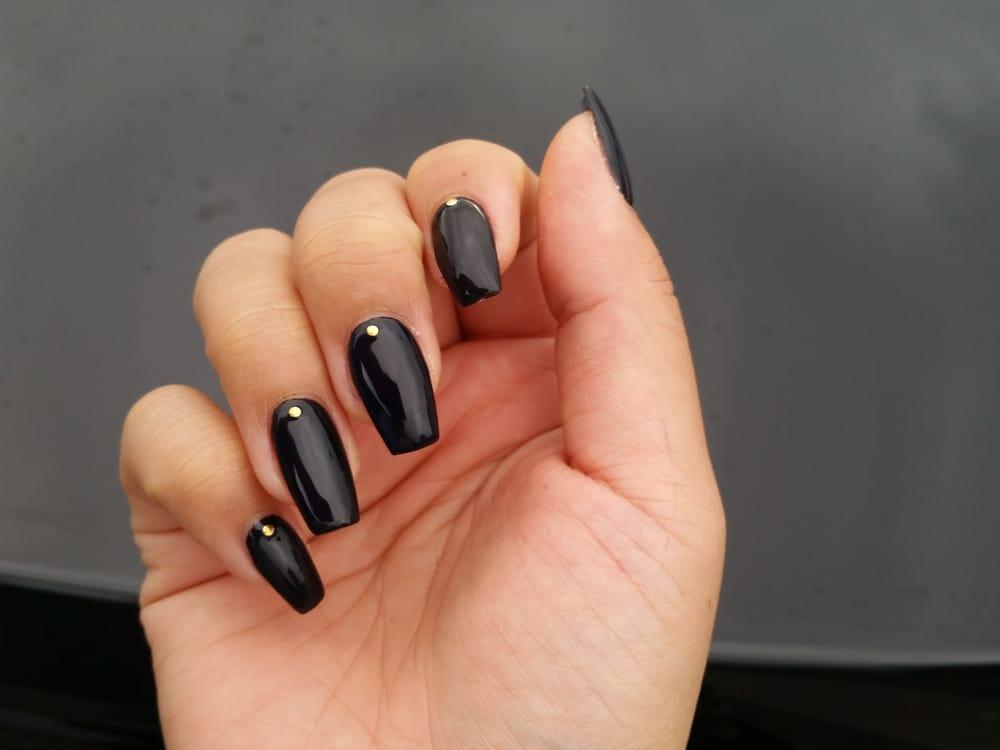 black gel acrylic nails photo - 1
