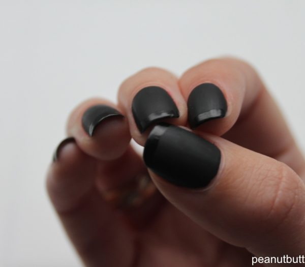 black glitter acrylic nails photo - 1