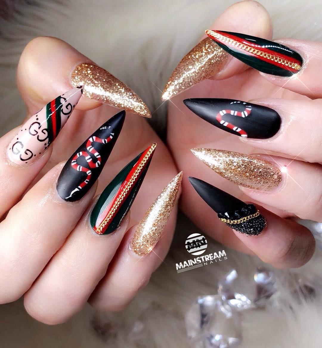 black glitter short stiletto nails photo - 2