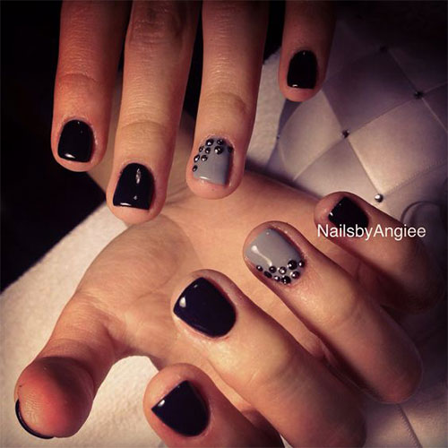 black nails gel photo - 1