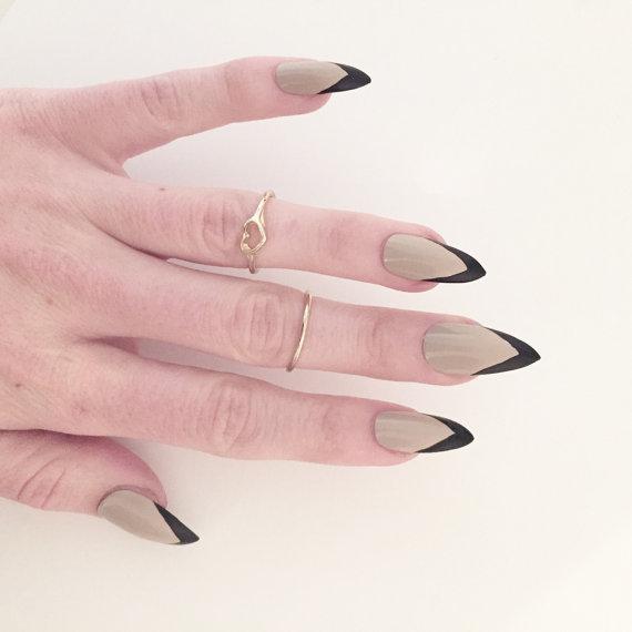 black tip stiletto nails photo - 1