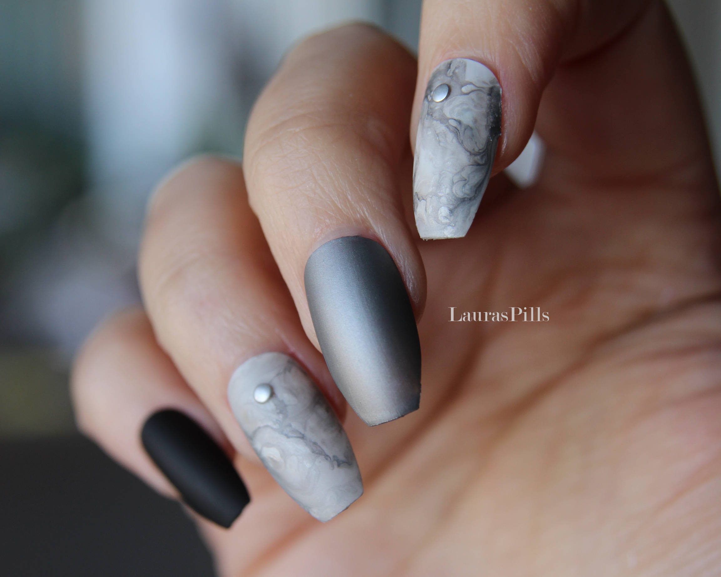 coffin nails matte black and silver photo - 1