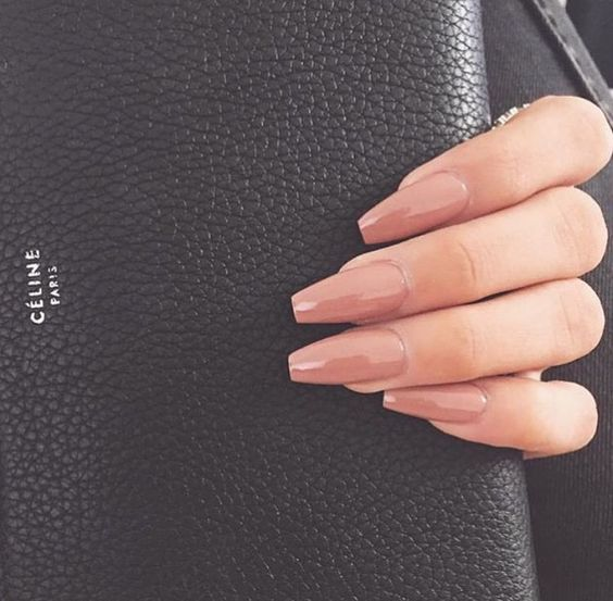 Coffin nails nude - Expression Nails