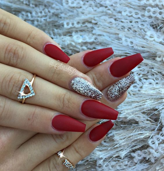 coffin red nails photo - 1
