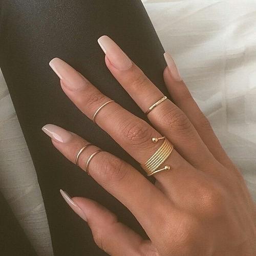 coffin shaped nails tumblr photo - 2