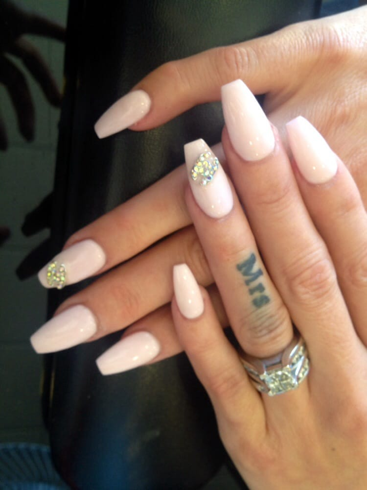 coffin style acrylic nails photo - 1