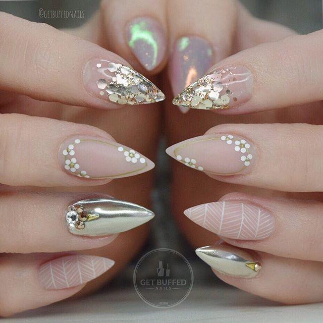 crazy stiletto nails photo - 1