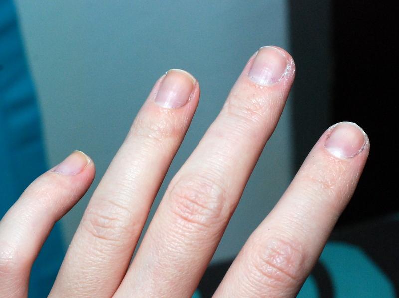 cut gel nails photo - 1