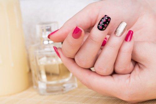 dangers of acrylic nails photo - 1