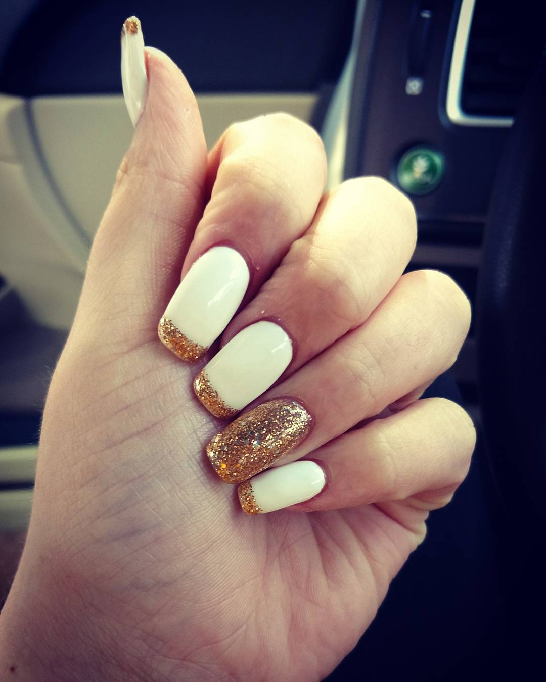 design on white acrylic nails with design photo - 1