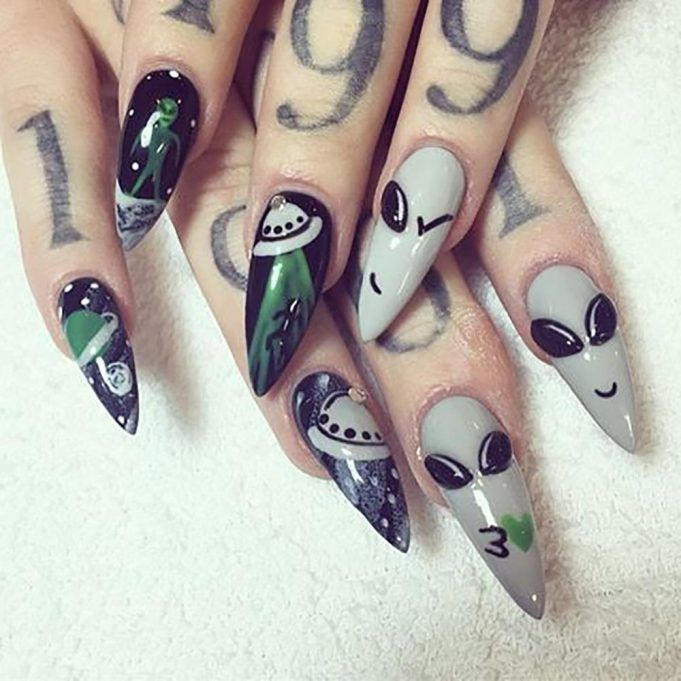 did women have stiletto nails in the 80s photo - 2