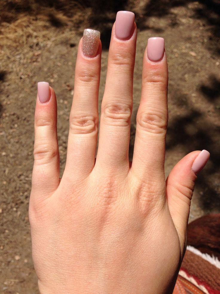 fake glitter short acrylic nails photo - 2