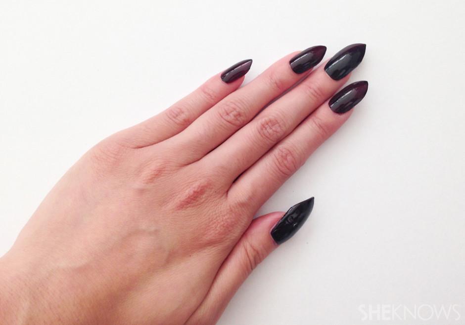 filing stiletto nails photo - 1