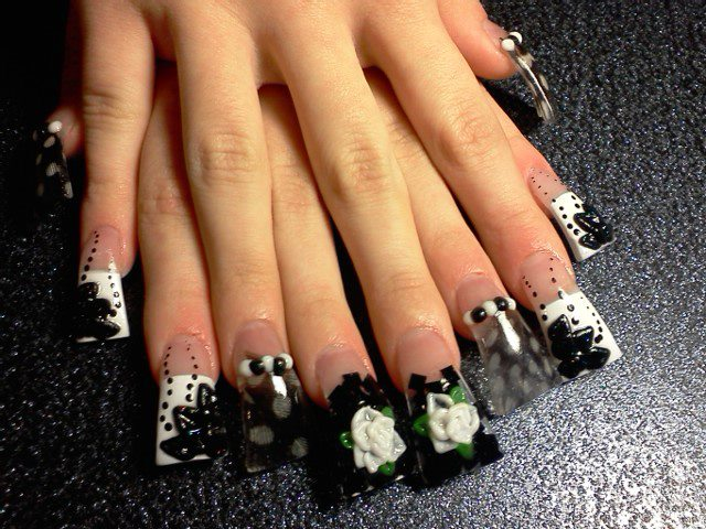 flared acrylic nails photo - 2