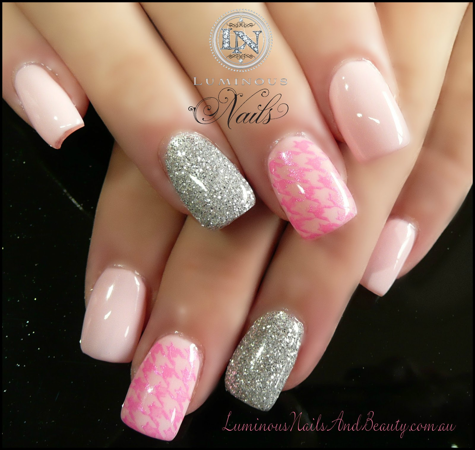 gel acrylic nails photo - 2