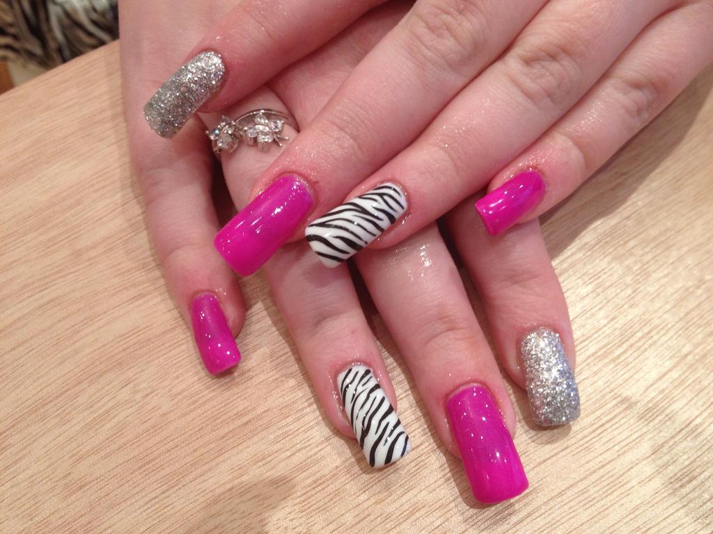 gel nails ad photo - 1