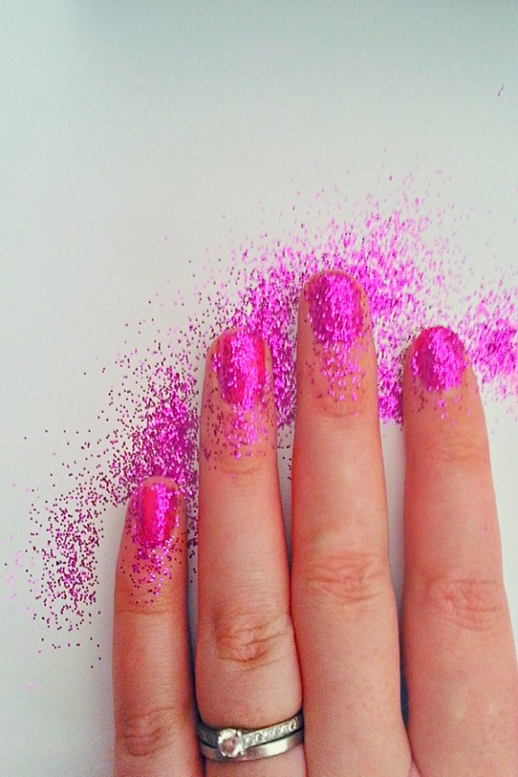 gel nails and glitter tutorial photo - 2