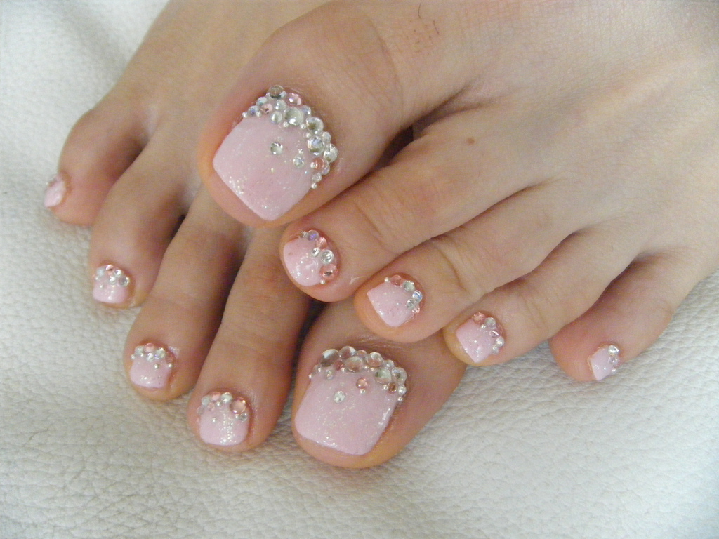 gel nails on toes photo - 1