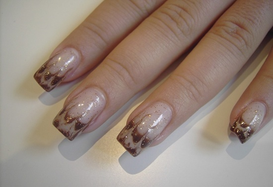 gel nails while working in or photo - 2