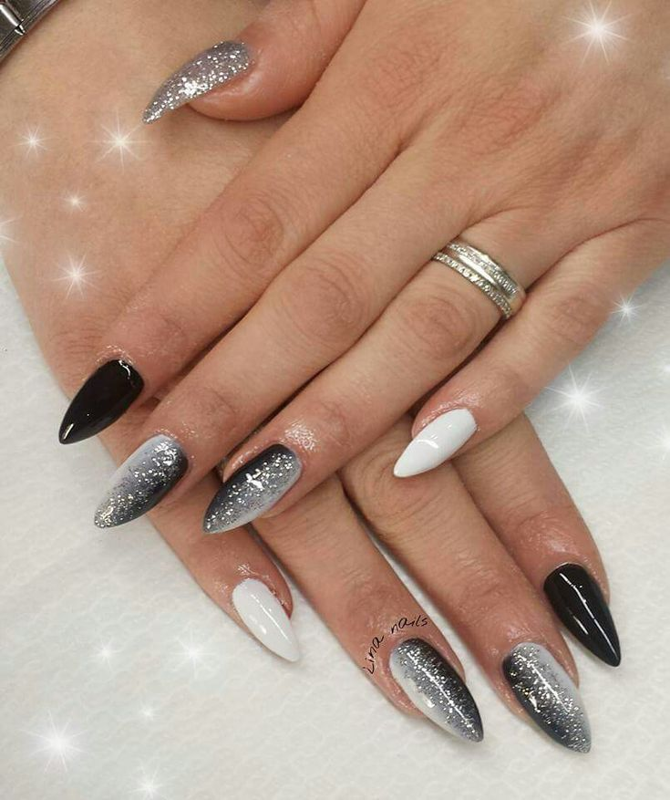 gel nails while working on or photo - 2