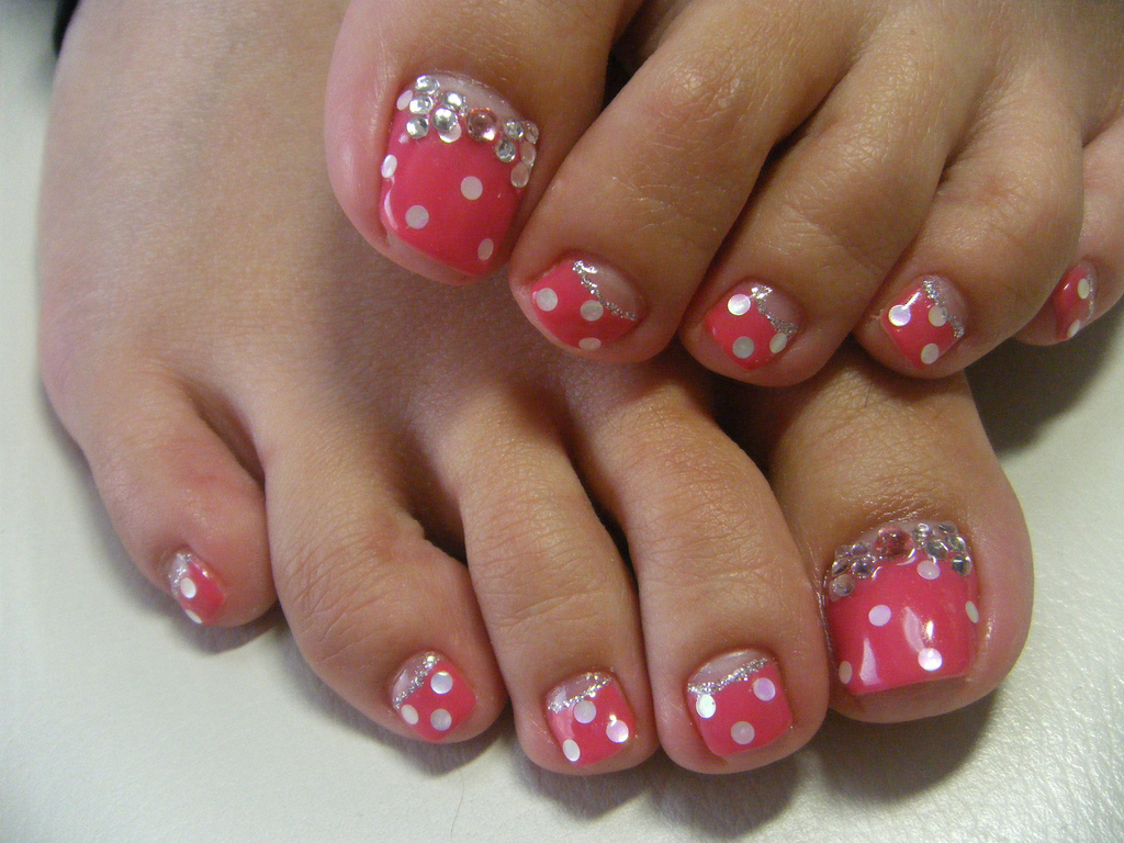gel toe nails photo - 1