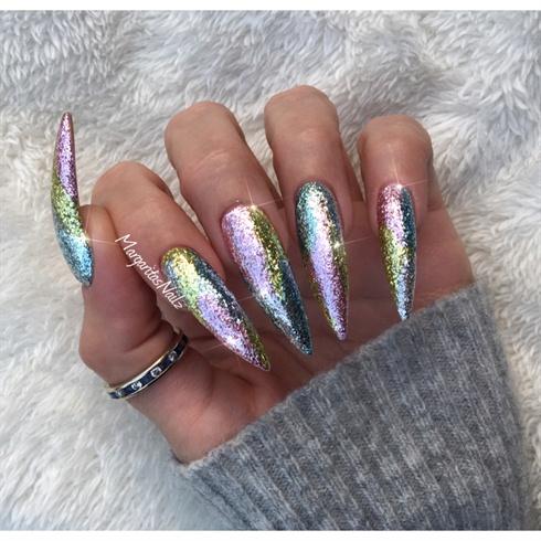glitter stiletto nails photo - 1