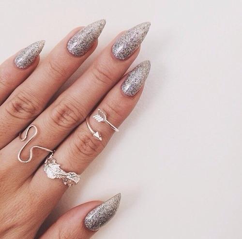 glitter stiletto nails photo - 2