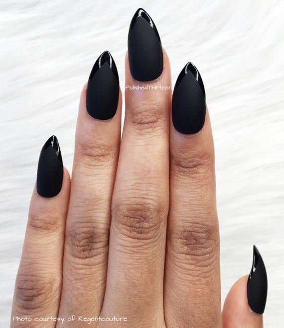 glue on black stiletto nails photo - 1