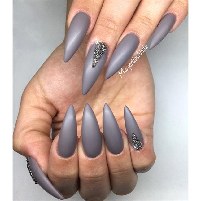 gray stiletto matte nails photo - 2