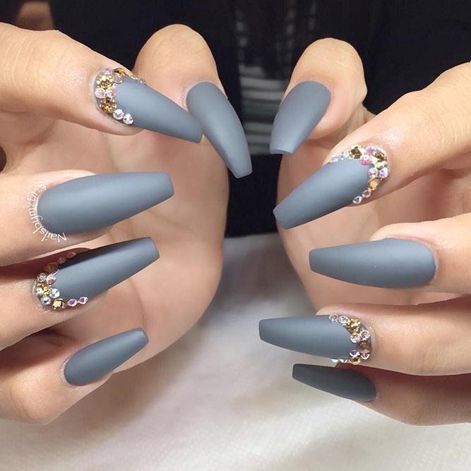 grey nails coffin photo - 1