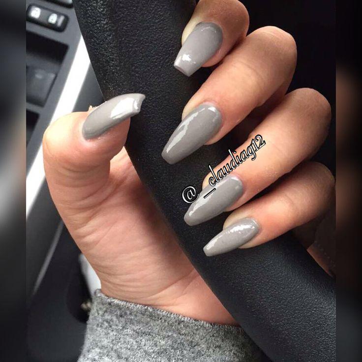 grey nails coffin photo - 2