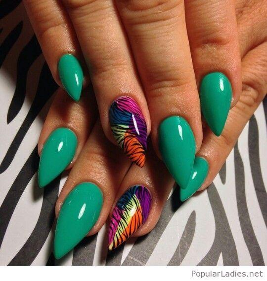 haunted green natural gel nails photo - 1