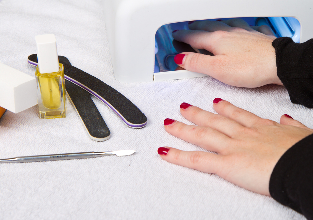 how safe is uv gel nails photo - 1