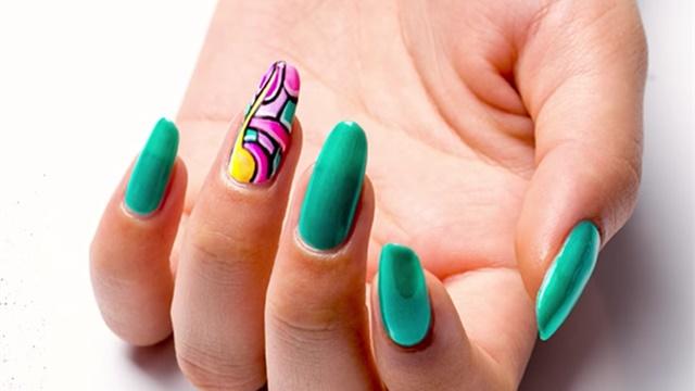 how to apply acrylic nails photo - 2