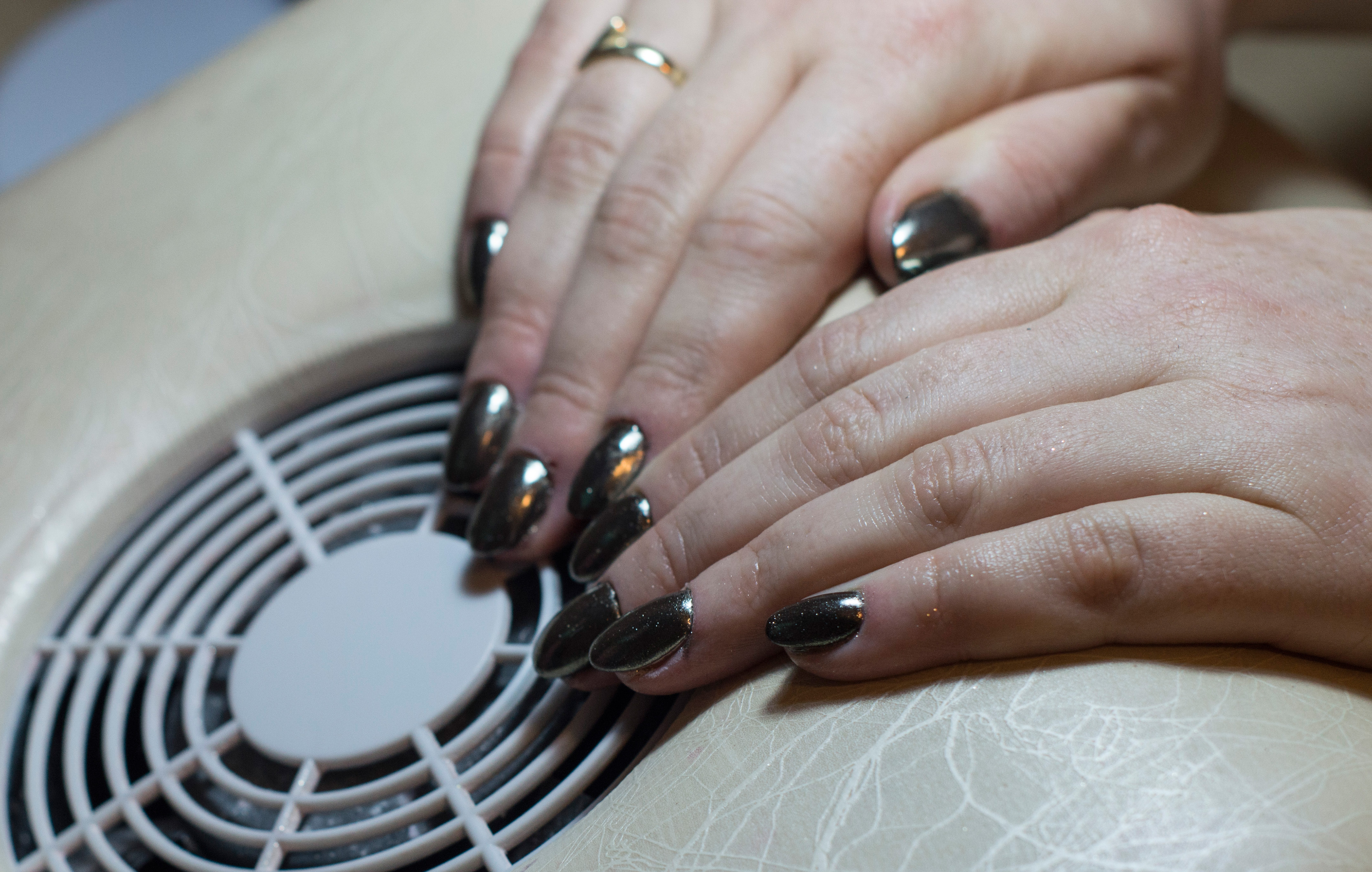how to apply powder gel nails photo - 2