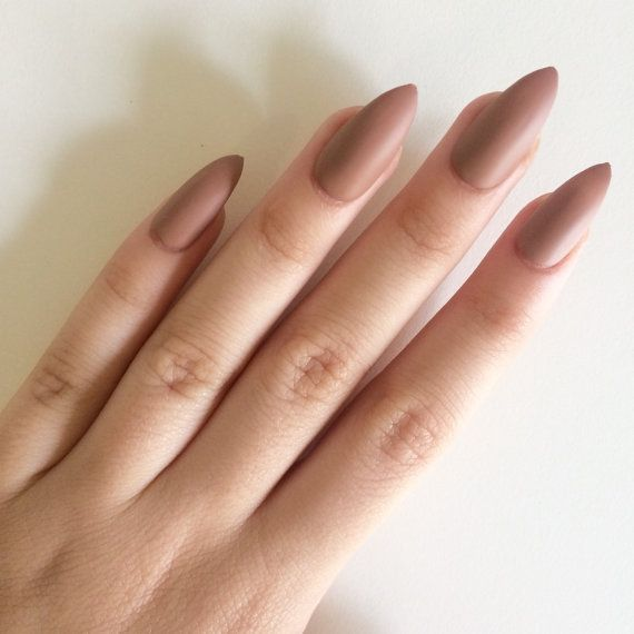 how to file stiletto nails natural nails photo - 2